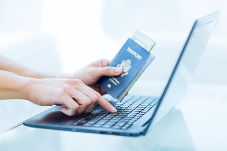 Person applying for a B1 visa online.
