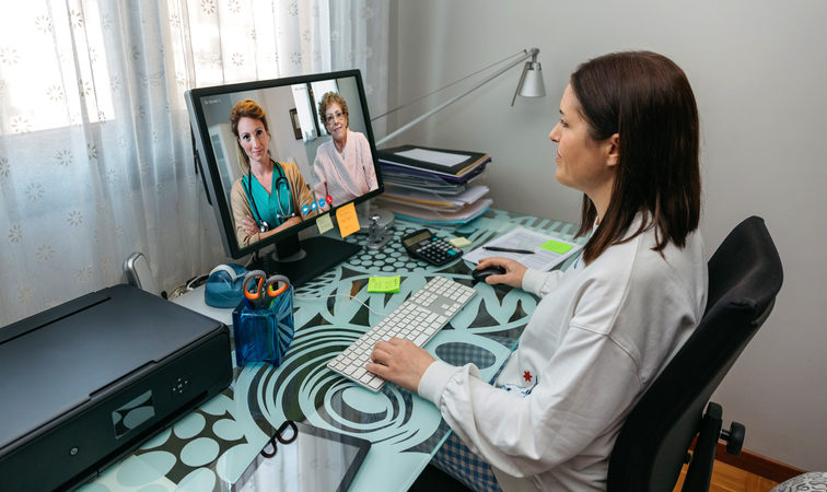 Medical Trainee participating in an online telehealth clinical experience