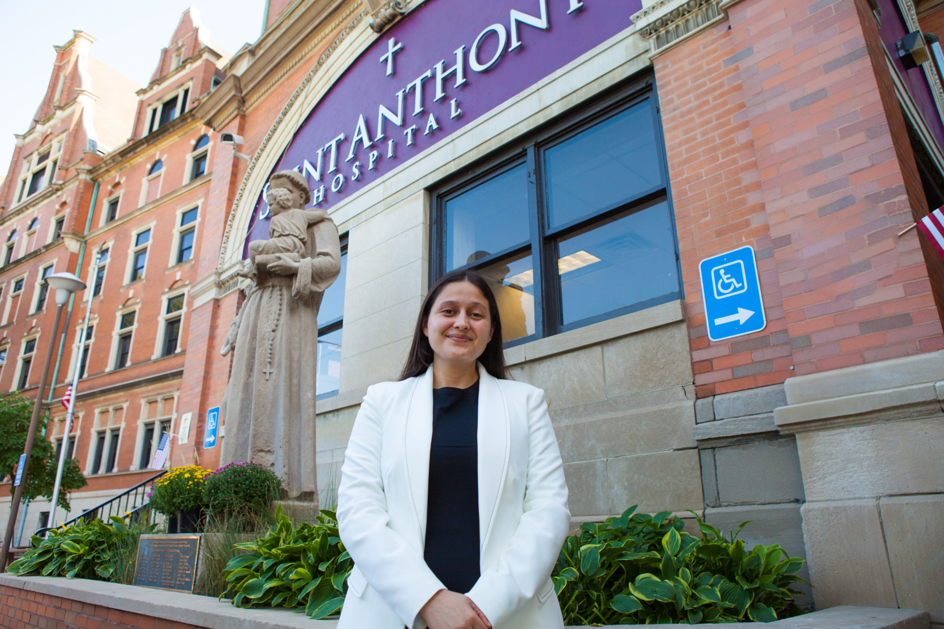 Following a 2019 third party agreement, the partnership between AMO and Saint Anthony sends a bi-annual cohort of trainees from UAG to Saint Anthony Hospital in Chicago.